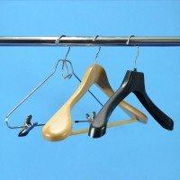 Perchas para colgar prendas y accesorios